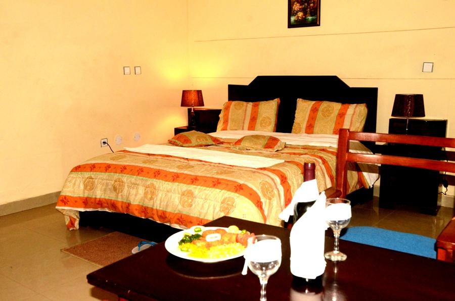 Kinge Size Bed Room